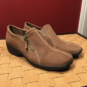 Clarks Leather Side-Zip Slip-On Shoes